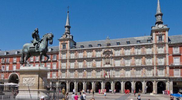 Estatua Felipe III a caballo