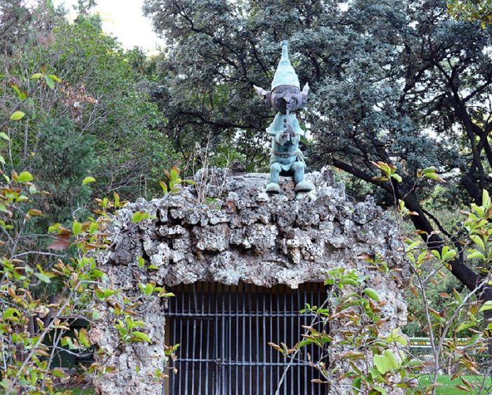 the elf of the Retiro Park