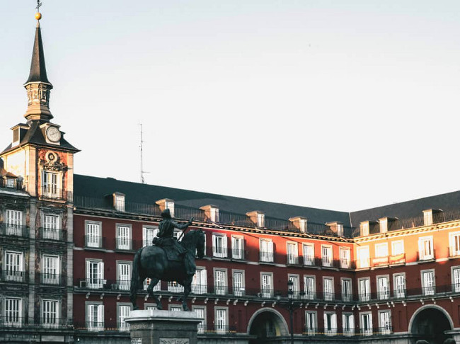 Tour Madrid legends and mysteries