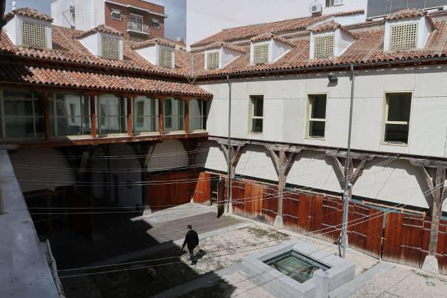 Houses of historic Madrid - chabolas vallecas- corrala